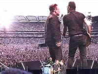 Bruce Springsteen avec Bono au Croke Park à Dublin , Irlande 29/05/2016