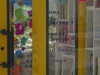 Avrillé, Boîte à Lire, Place de la Mairie, don de Schwalbach-ville jumelle allemande, Cl.Elisabeth Poulain