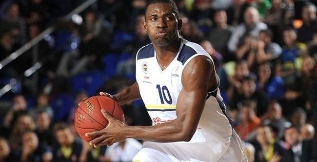 Valencia Basket announces power Romain Sato