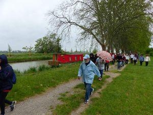 Et c'est le retour par la rive gauche du Canal jusqu'au village.