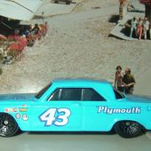 64 PLYMOUTH BELVEDERE HOT WHEELS 1/64 - car-collector.net