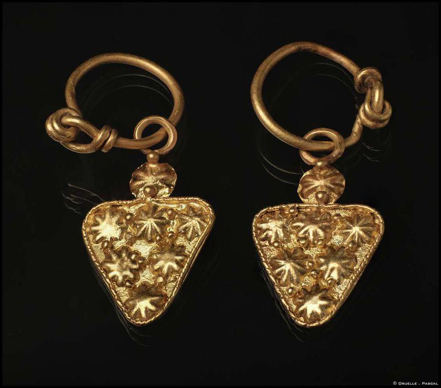 Bijoux antiques étrusque, tombe à Aleria