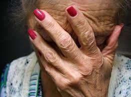 Fin du confinement : les seniors en colère contre le gouvernement