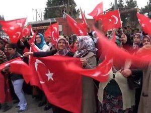 Images du départ des PÖH pour la Syrie, à Antep et Erzurum. Photos Takvim