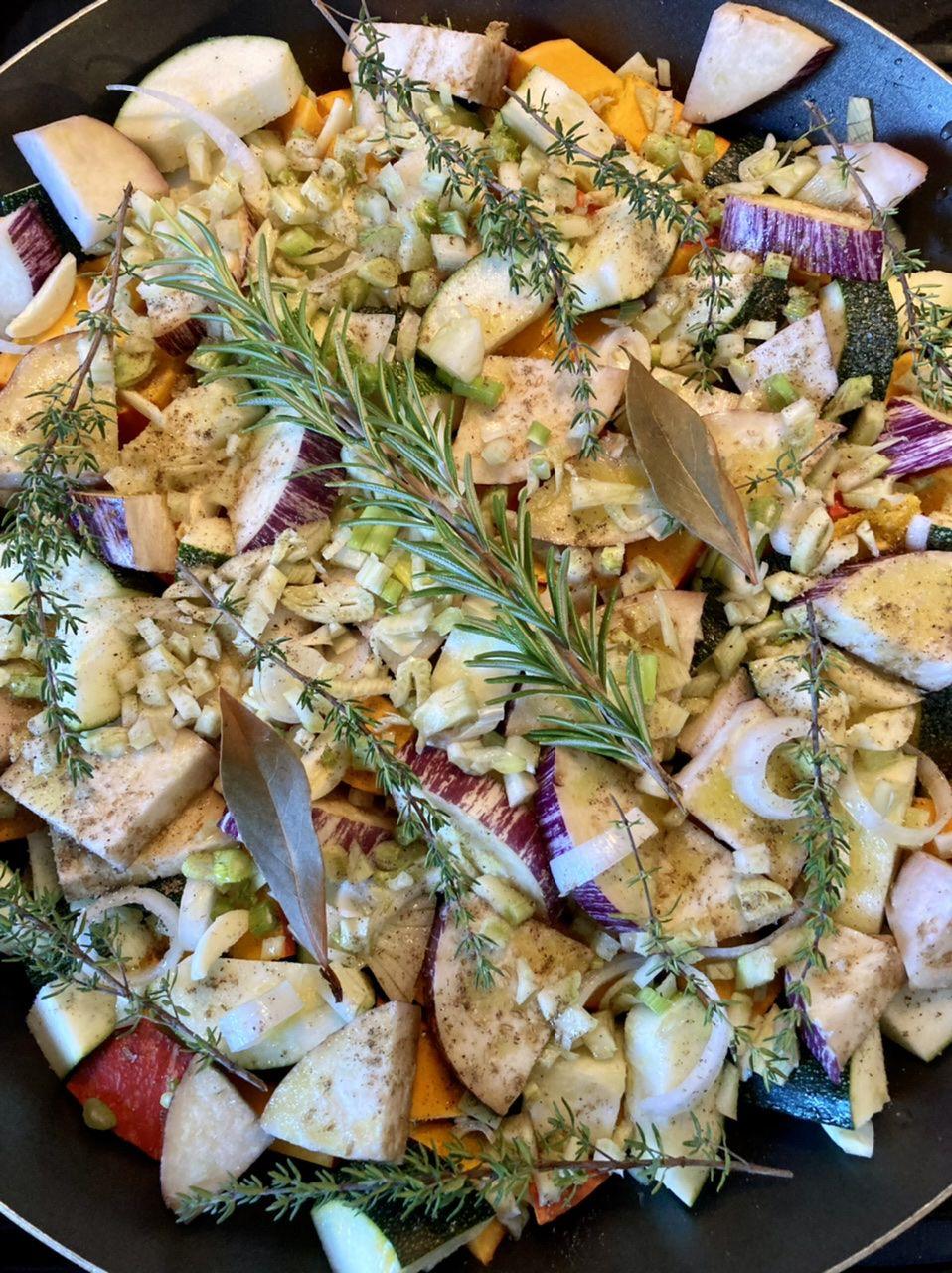 Légumes de saison confits au four.