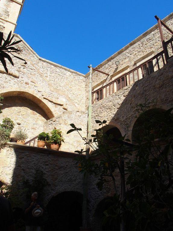 quelques vues extérieures du Monastère .....