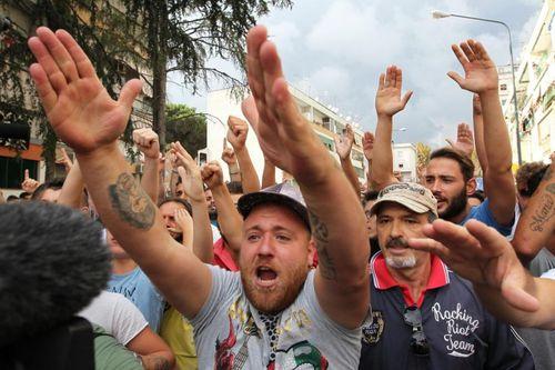 Napoli e la latitanza della politica