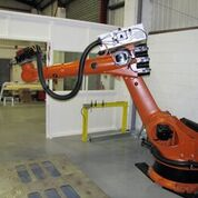 Industrial Robot Improved Hybrid Manufacturing Process