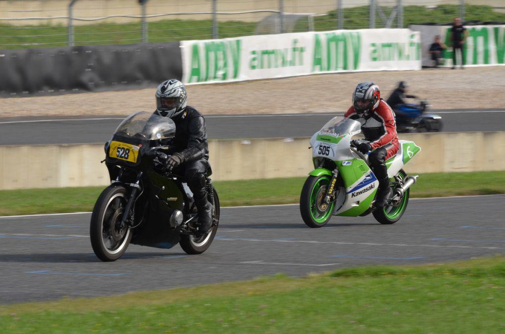 TROPHEES Gerard JUMEAUX 2013 Circuit Carole Démonstrations motos et side car anciens de course