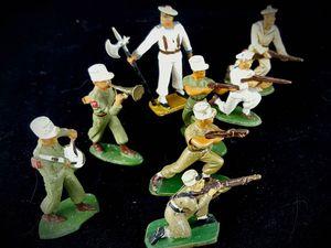 STARLUX, soldats de plomb, premières figurines gagnées aux billes.