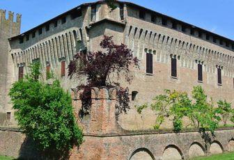 Maccastorna, il Borgo del Castello Misterioso