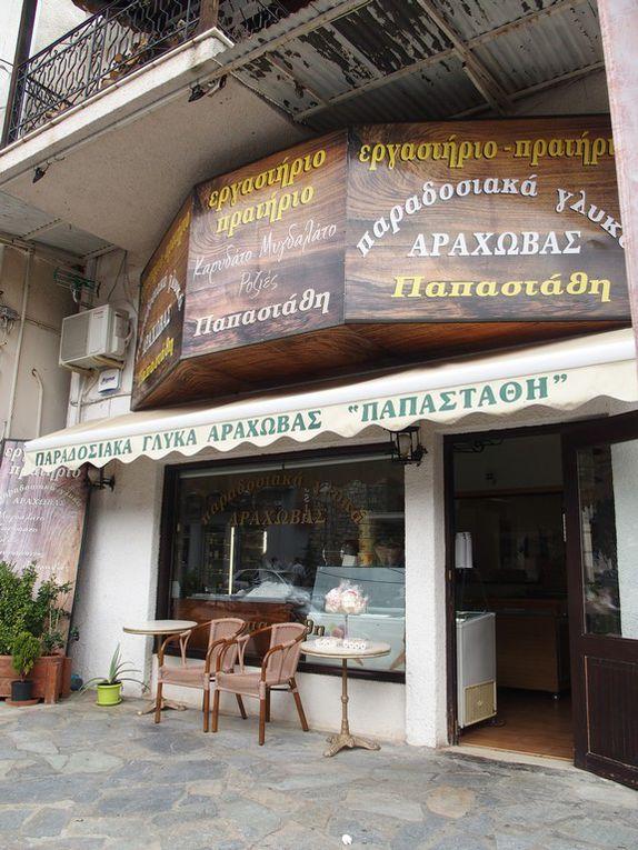 le village d'Arachova ...et ses pâtisseries ...