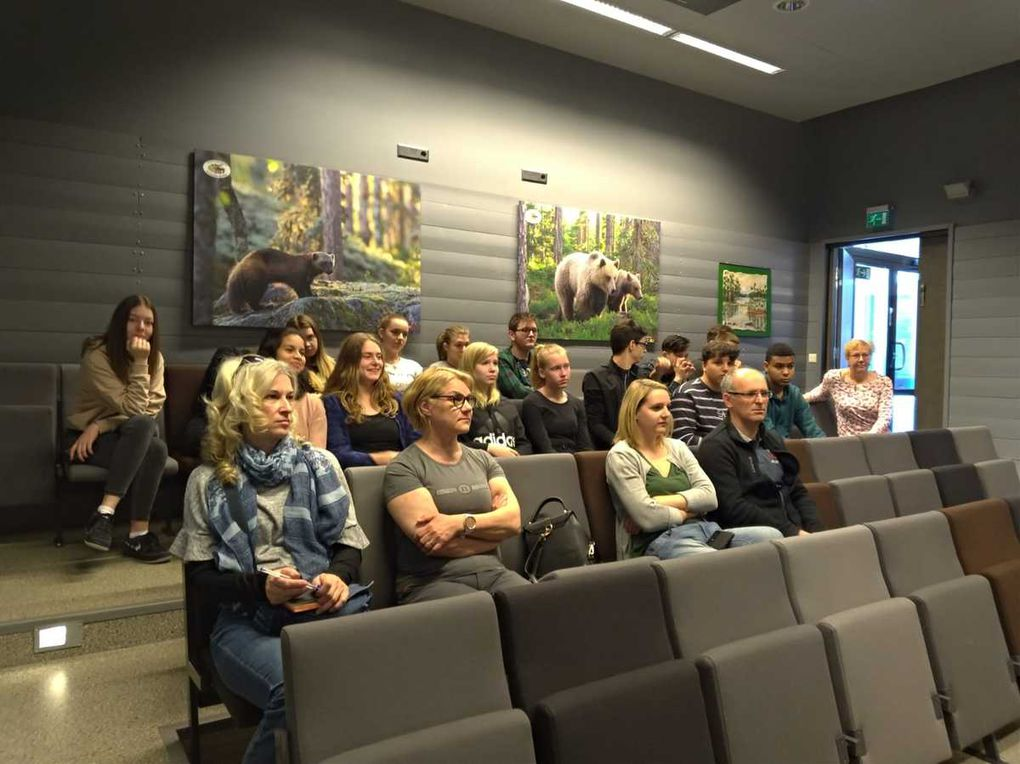 SMFI19 SCIENCE, ENVIRONMENT PETOLA FINNISH CARNIVORE SPECIES