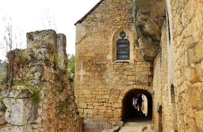 Le village troglodytique de la Madeleine en Dordogne