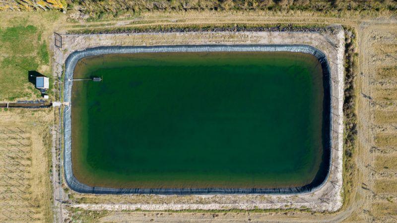 La « guerre de l'eau », dossier explosif au niveau français et européen