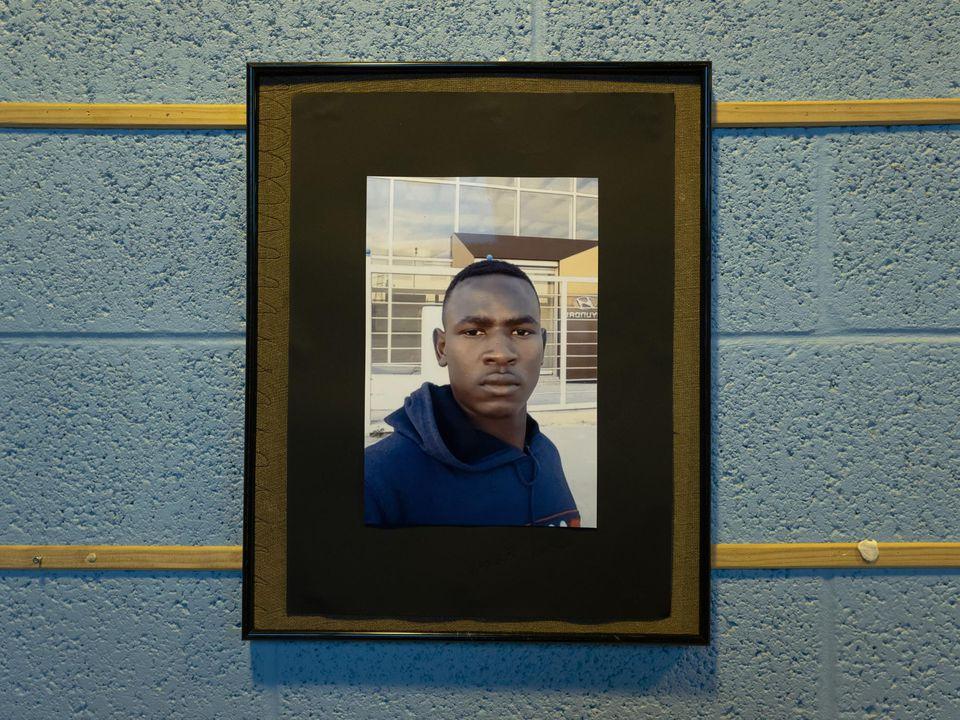 """Mort de Khamisse Zakaria, un jeune soudanais à Calais. Il est notre compatriote, notre frère, notre ami ..."""""""