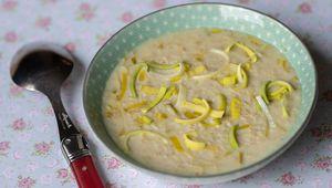 Soupe irlandaise aux poireaux et flocons d'avoine (brotchen foltchep)