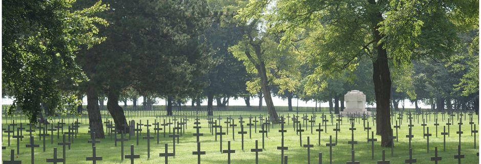 NEUVILLE SAINT VAAST: cimetière allemand