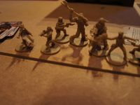 Les figurines ! Finement gravées ...et simples à assembler !