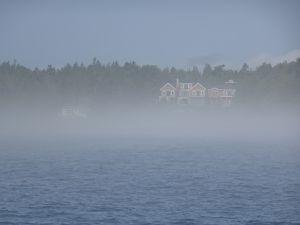 Trop de brouillard, tu restes à terre et manges des homards... ben oui....
