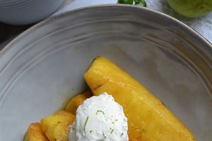 Ananas rôti et quenelle mascarpone