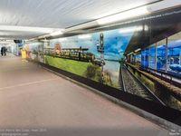 Les deux grandes fresques dans le souterrain de la gare de Saint Pierre des Corps.