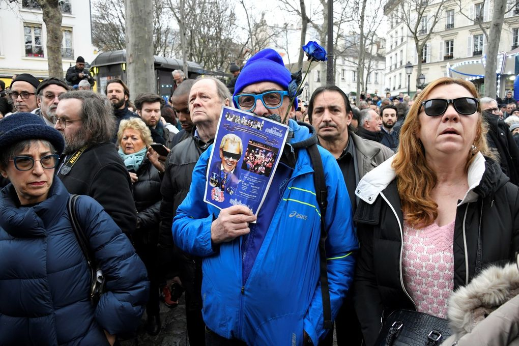 Le cercueil de Michou entre en la paroisse Saint-Pierre de Montmartre, le 31 janvier 2020