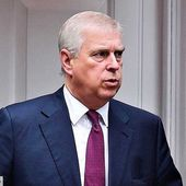 C'est confirmé ! Accusé de #viol, le prince #Andrew va passer devant la justice - MOINS de BIENS PLUS de LIENS