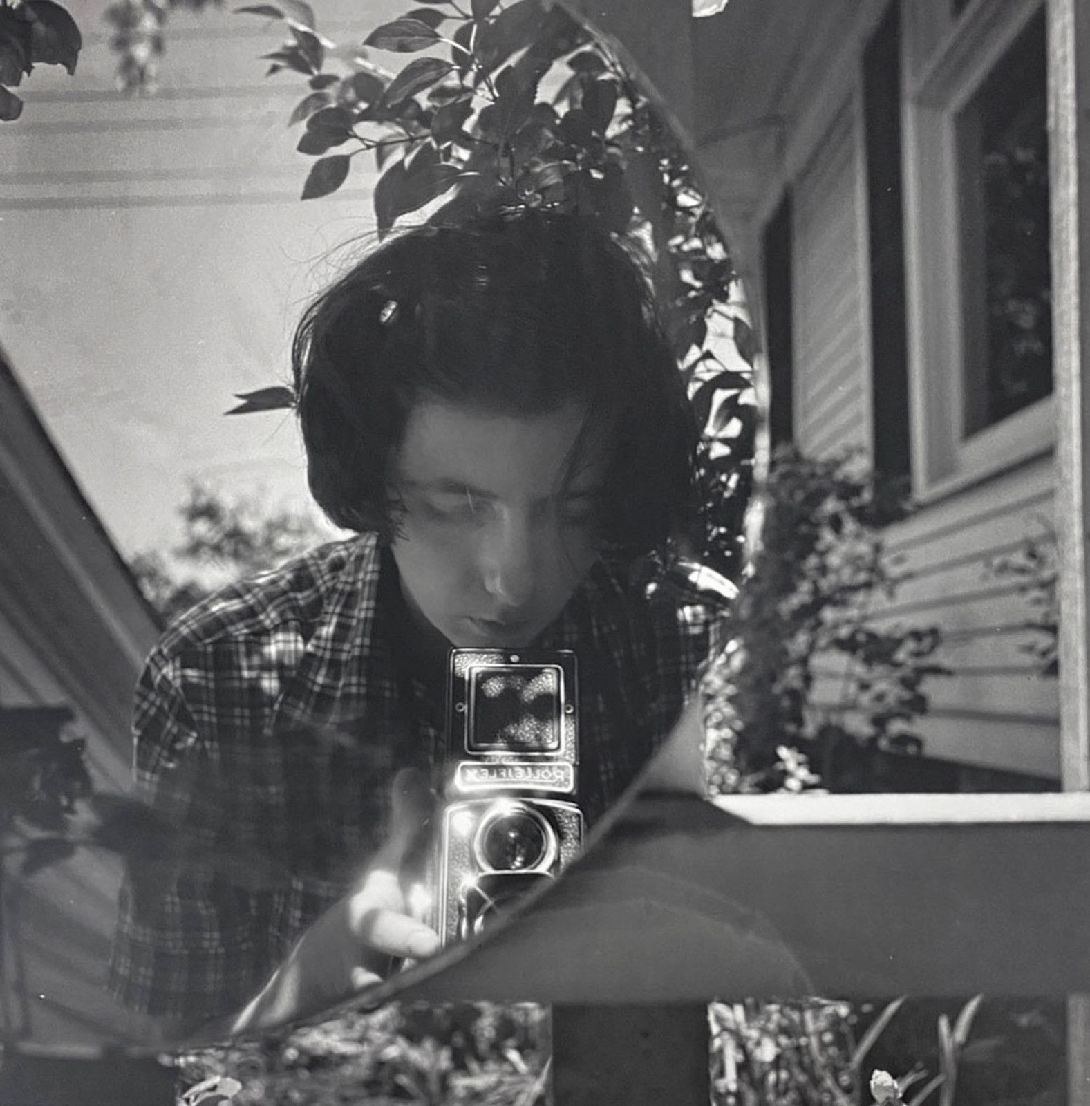 """Untitled, Self-portrait"", 1953 de Vivian MAIER - Courtesy Les Douches la Galerie Paris"