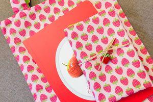 Petits tote bags à la fraise