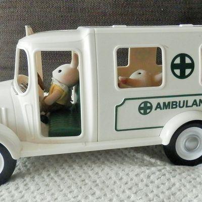 L'ambulance Sylvanian Families