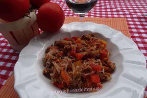 Poêlée de poivrons, tomates au konjac et bœuf haché