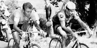 La légende française du cyclisme Raymonde Poulidor est mort