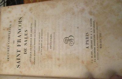 LES ŒUVRES COMPLÈTES DE SAINT FRANCOIS DE SALES en 8 volumes  PRIX DES 8 VOLUMES  165€ PORT POSSIBLE+10€