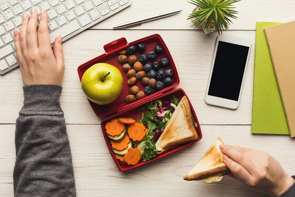 Reasons to Pack Your Lunch Box for Work