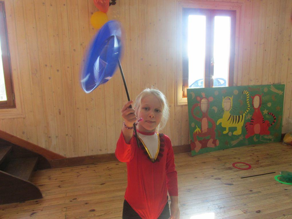Les préparatifs de la salle, avant l'arrivée des enfants...