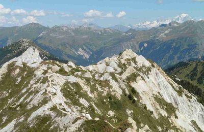 Les crêtes du Mont Charvet.