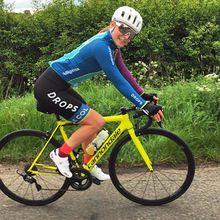 La surprise Tacey  April Tacey (Drops) s'offre la S1 du Zwift Virtual Tour de France devant Faulkner, Blaak, Dixon et Dygert. + Un Vercors vertigineux  L'étape du Vercors vers Font d'Urle sur le TCFIA s'annonce dantesque avec 3400m de dénivelé et cinq cols au programme. - (Franck FRUCH - Patrice FOUQUES)