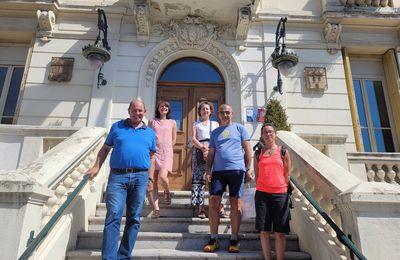 Castellane  : Accueil de Luc Pace lors de son périple du tour de France à pied