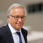 """Chômage : en partance du gouvernement, François Rebsamen estime """"avoir bien fait"""" son travail"""