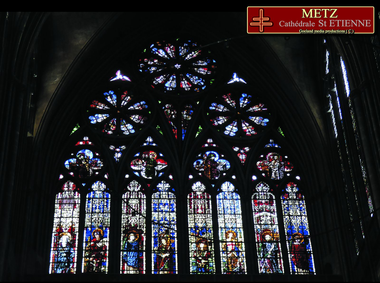 Cathédrale de METZ - vitraux déambulatoire - goelandmedia.prod@gmail.com (c) - photos bj(c)