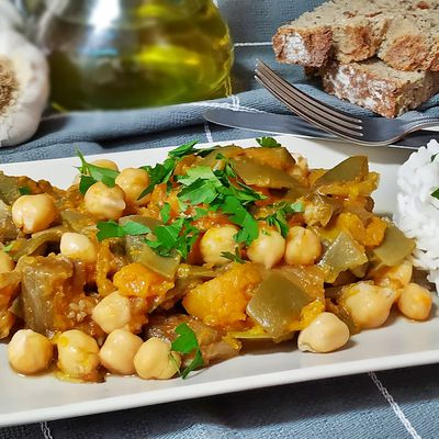 Curry thai de garbanzos con calabaza