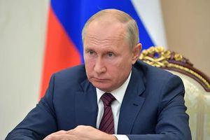 Poutine: les tentatives d'«ébranler» les conclusions de Nuremberg sont «un coup à la sécurité dans le monde»