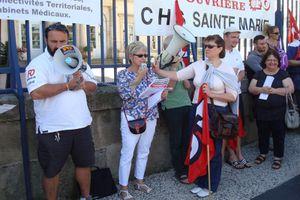 130 personnels de santé et de l'action sociale avec FORCE OUVRIERE le 25 juin devant la Préfecture au Puy, rassemblés pour leurs revendications