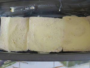 Croque cake au bresaola, raclette et sauce tomate