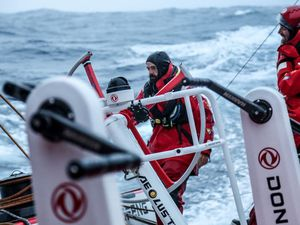 Photos - Team DongFeng Y. Riou - VOR