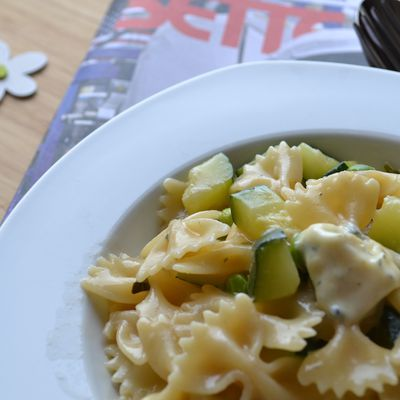 One pan pasta courgette petits pois