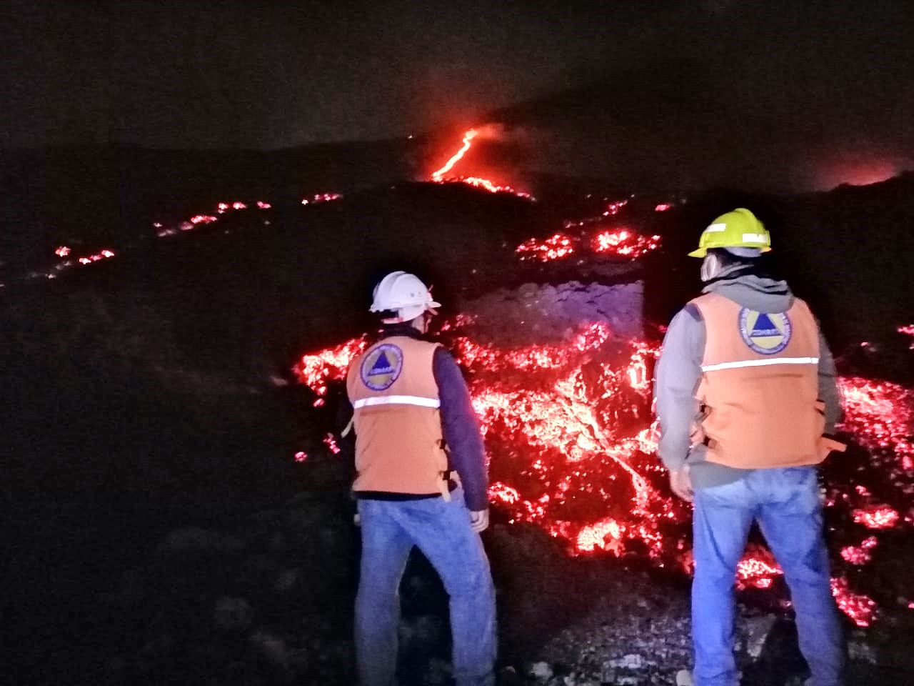 Pacaya - lava flow from 26.10.2020 - photo and monitoring by Conred