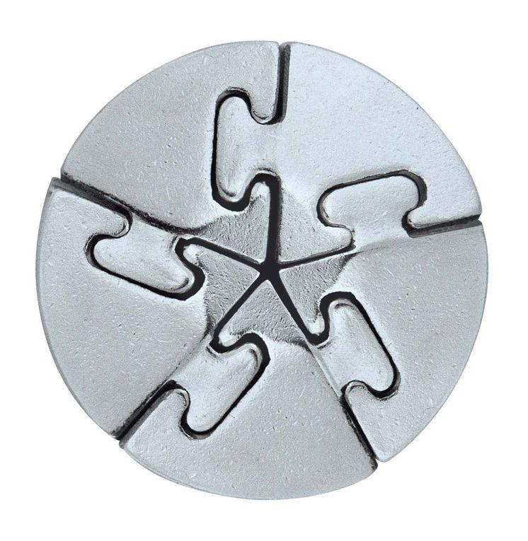 La série Cast est une série de puzzles en metal , assez difficile mais vraiment superbe .