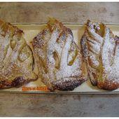 Feuilletés tressés aux poires et à la crème d'amandes - www.sucreetepices.com